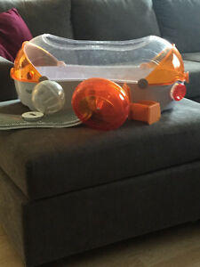 Habitrail Loft - hampster cage and vented ball