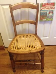 Solid wood chair  Cambridge Kitchener Area image 1