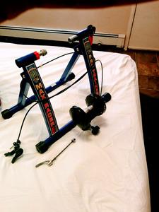Max pro bike trainer mint condition
