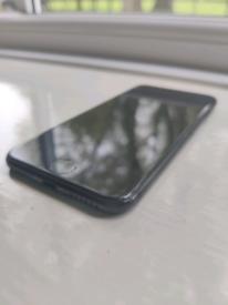Apple iPhone 7 - 32gb (Unlocked) [Cracked Screen]