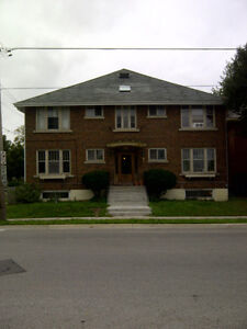 Old south 1 bedroom 560 plus per hydro