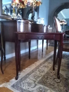 Console table wirh drawer