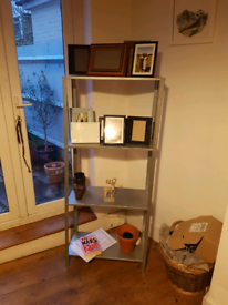 Shelves. 5£