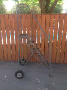 Roll Around Ladder (6 ft Tall / 5 Step) -- LOW PRICE