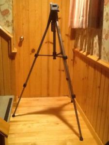 Trépied pour caméra et caméra vidéo