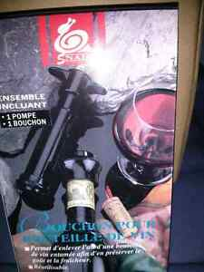 NEW in box Vacuum Wine bottle Pump Cambridge Kitchener Area image 1