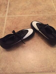 Boys Nike soccer cleats  Kitchener / Waterloo Kitchener Area image 1
