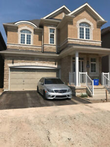 Spacious 4 Bedroom Detached House for rental in Oakville