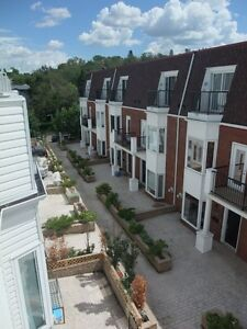 EXECUTIVE 3 BDR. + DEN (or extra bdr.) TOWNHOUSE FOR RENT