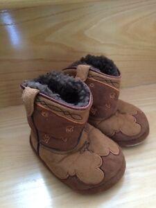 Pantoufles neuves de bébé bottes de cowboy gr. 5