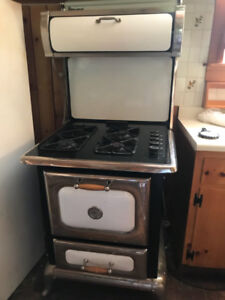 Heartland Gas Stove