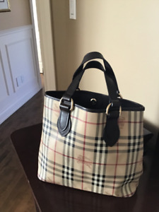 cddcf6ccd61 Burberry sac à main