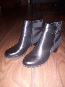 Women's Alfred Sung boots size 11