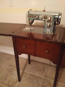 """Vintage"" 1950s White sewing machine"