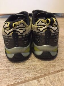 Boys Geox Shoes Size 1 London Ontario image 4