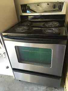 Whirlpool Self Cleaning Electric Stove