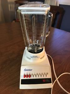 Blender - like new - great brand Osterizer