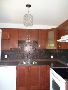 Gorgeous & Modern - Two - 2 Bedroom - Dishwasher-Spacious-Sunny