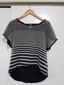 Ladies tops & bottoms: Size XS-S