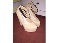 Cream and gold wedges size 5