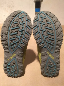 Women's Columbia Techlite Running Shoes Size 9.5 London Ontario image 3