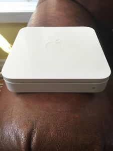 2nd Generation AirPort Extreme Base Station