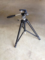 """Vivitar 928 Tripod, extends from 28"""" to 65"""""""