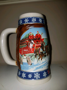 Budweiser 1995 Lighting The Way Home  Holiday Stein Mug