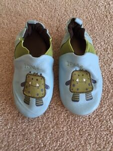 Robeez leather shoes (18-24m)