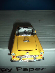 1063 - Voiture miniature de collection Thunderbird jaune