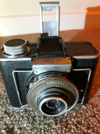 Vintage camera's with lenses