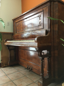Piano antique Kranich & Bach