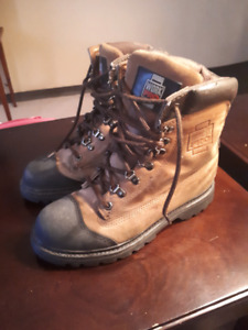 ladies size 8.5 safety approved boots