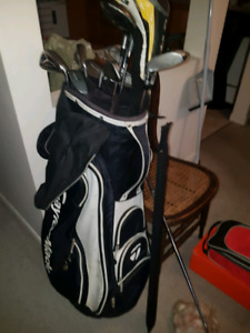 ESTATE SALE GOLF CLUBS AND SHOES