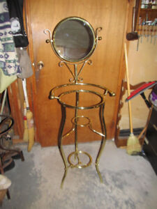 Brass Vanity Stand with Mirror