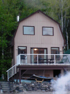 Cabin fronting on Shuswap Lake, nr Salmon Arm,BC Rent by week.