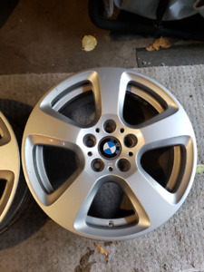 BMW 17 inch OEM wheels Excellent Condition and Tires