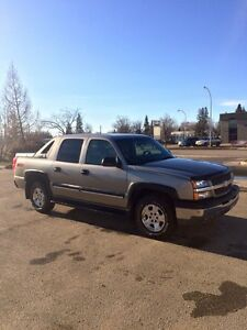 2003 Chevrolet Avalanche Z71 4X4 - will entertain trades