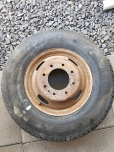 Tire and dually rim 245/75r17