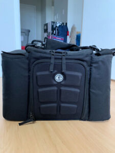 e96f2729cfd7ea Lunch Bag | Kijiji in Edmonton. - Buy, Sell & Save with Canada's #1 ...