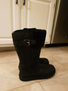 64aa3190d7 Black real ugg boots. Size 9 may fit like size 8