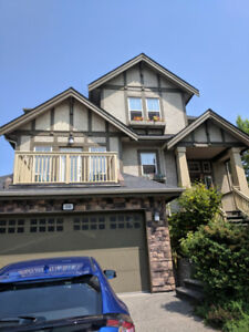 Beautiful 3 Bedroom Den Furnished House in Port Moody Ref#116C