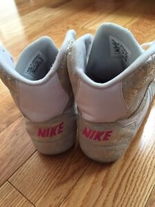Nike size 10 high tops woman's white and silver paisley print Kitchener / Waterloo Kitchener Area image 6
