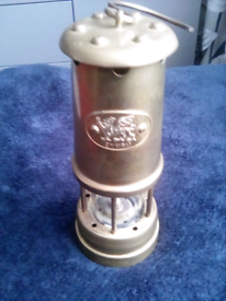 Working Vintage solid brass Welsh miners lamp.