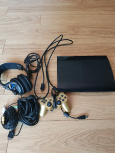PS3 slim + headset turtle beach + manette + 15 jeux