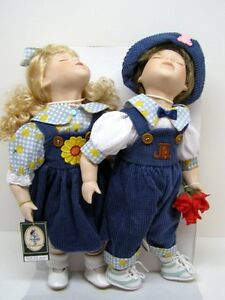 Cute Dolls Kissing Pics