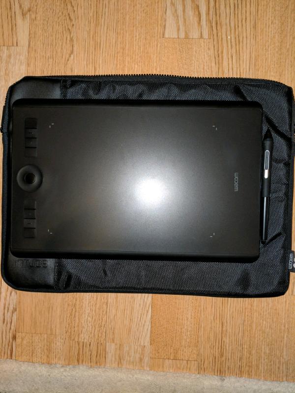 Wacom Intuos Pro Medium Graphics Tablet   in Islington, London   Gumtree