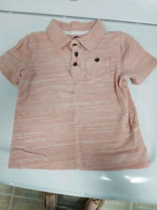 Old Navy size 4T shirt