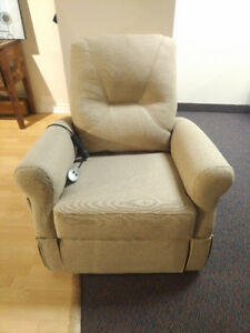 Brand New El Ran Dual Motor Lift Chair With Heat and Massage