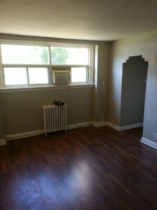 2 bedroom apartment available March 1st $1400 plus hydro